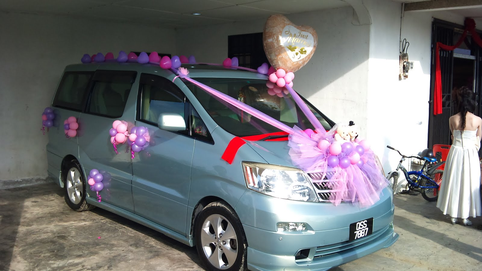 stunning-design-of-the-car-decoration-for-birthday-with-purple-ettiquette-ideas-with-balloon-ideas