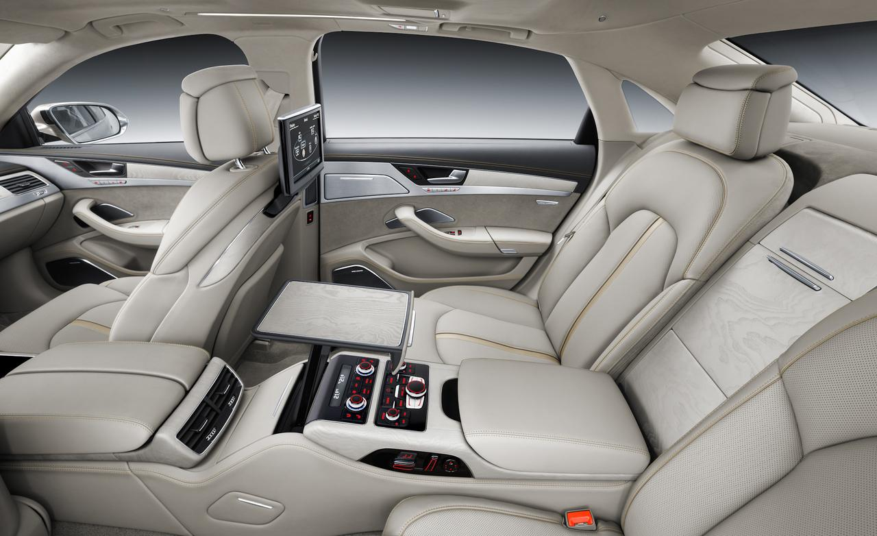 stunning-design-of-the-white-seats-ideas-with-white-ceiling-and-black-dash-ideas-as-the-audi-q7-2015-interior