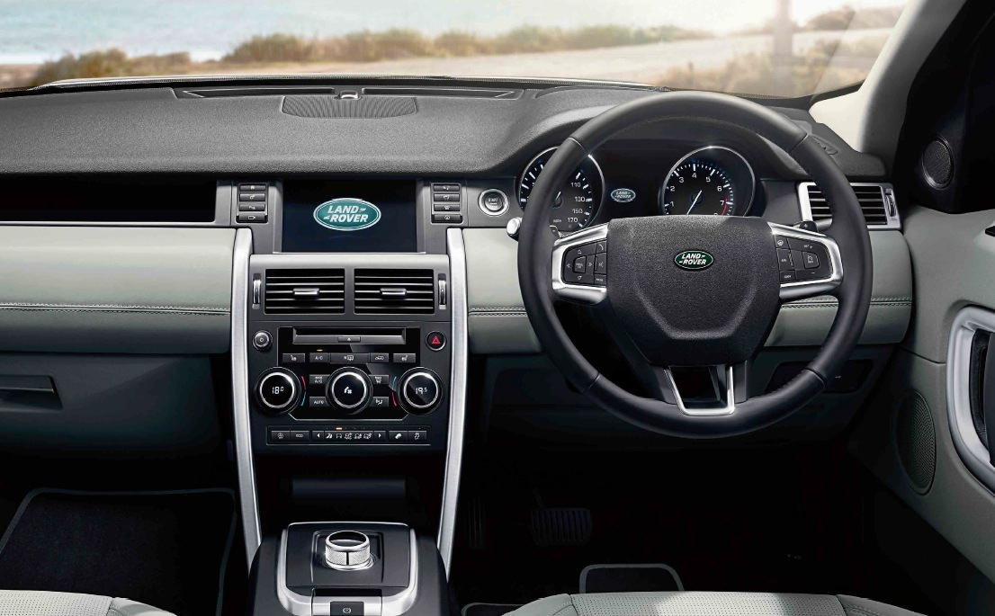 superb-design-of-the-black-and-grey-dash-ideas-with-black-and-silver-accents-steering-wheels-as-car-interior-ideas-of-the-land-rover-discovery-sport-2015-interior