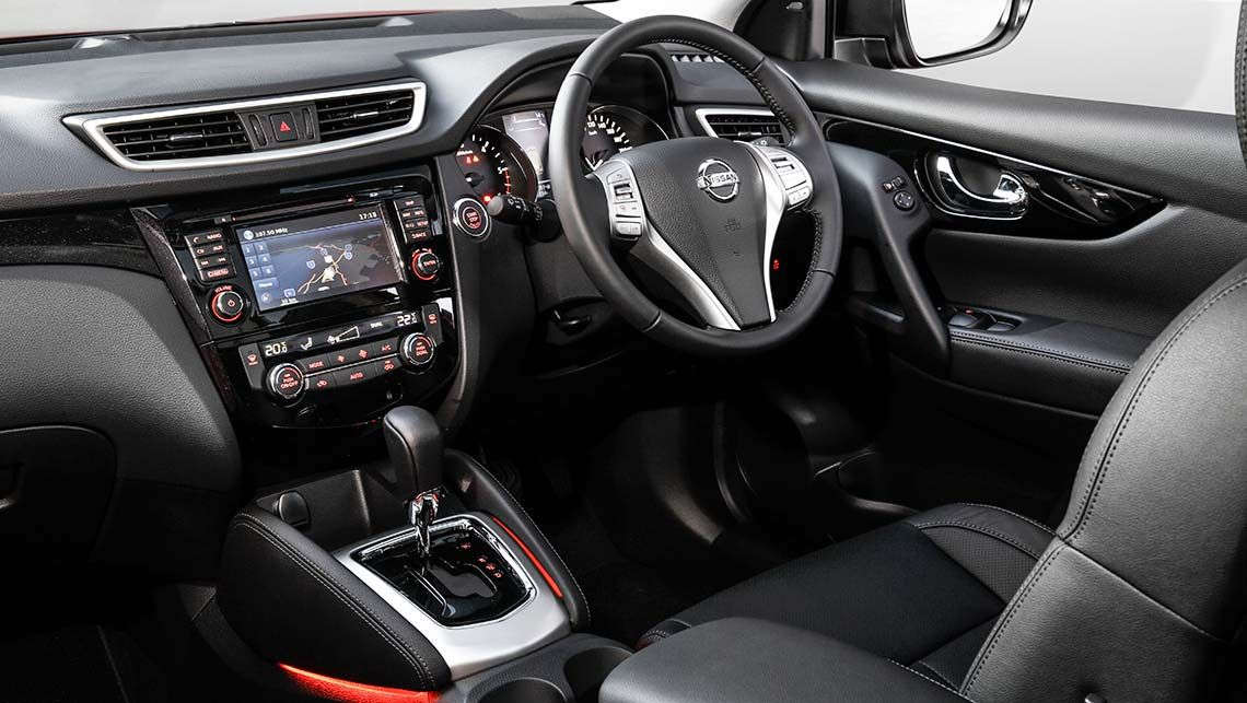 superb-design-of-the-black-and-silver-accents-steering-wheels-ideas-with-black-seats-ideas-as-the-nissan-qashqai-2014-interior