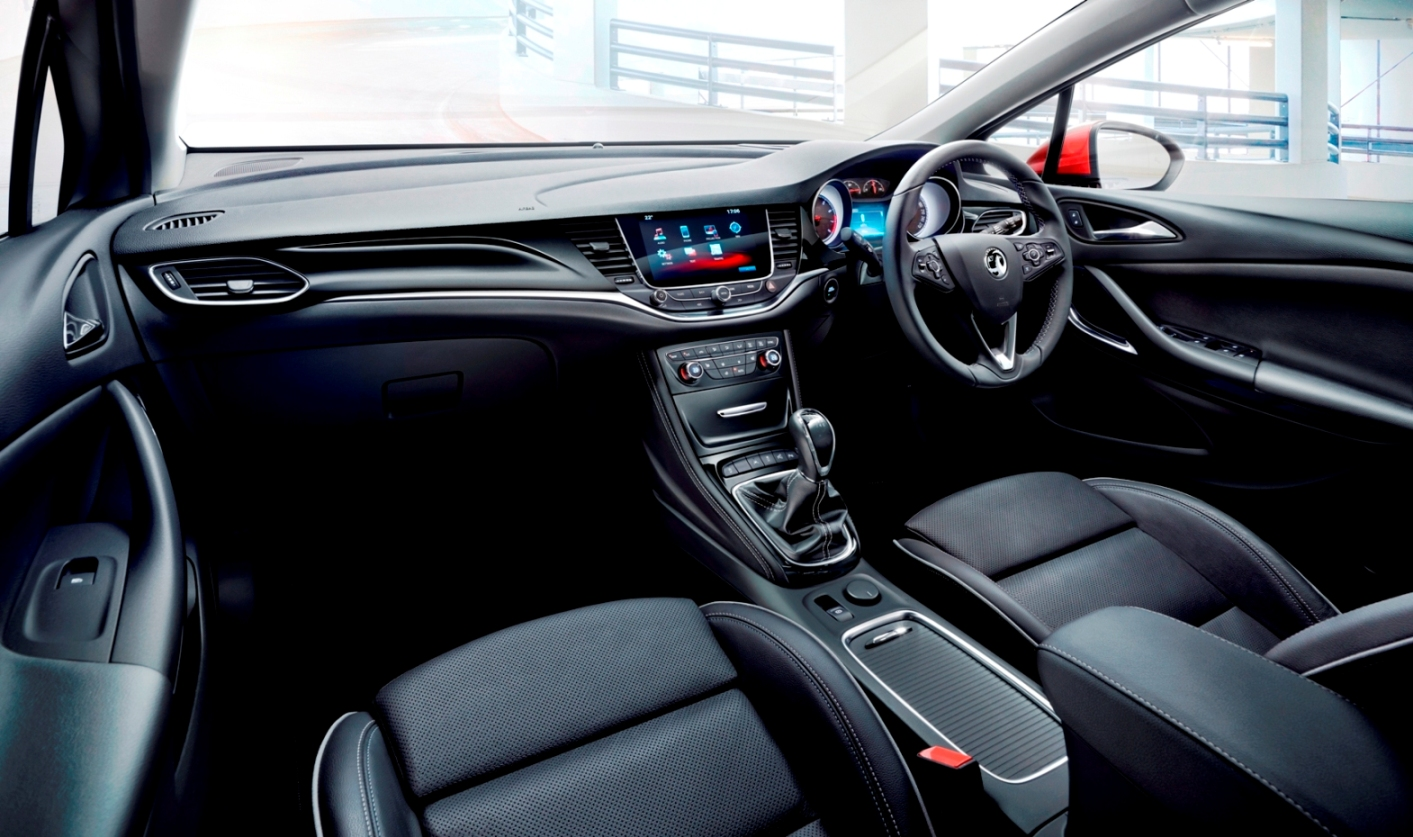 superb-design-of-the-black-leather-seats-added-with-black-dash-as-the-vauxhall-astra-sports-tourer-2016-interior