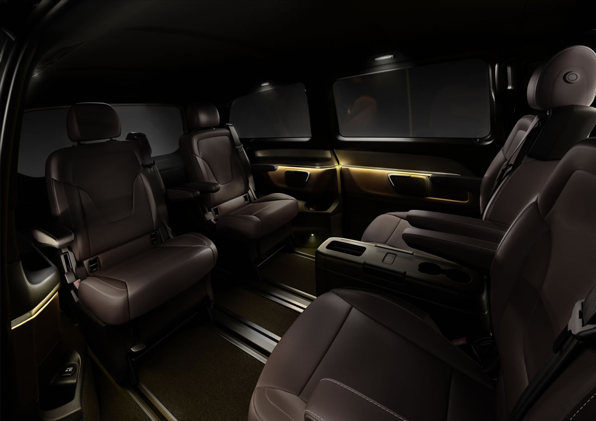 superb-design-of-the-black-seats-ideas-as-the-mercedes-benz-v-class-2015-interior-ideas