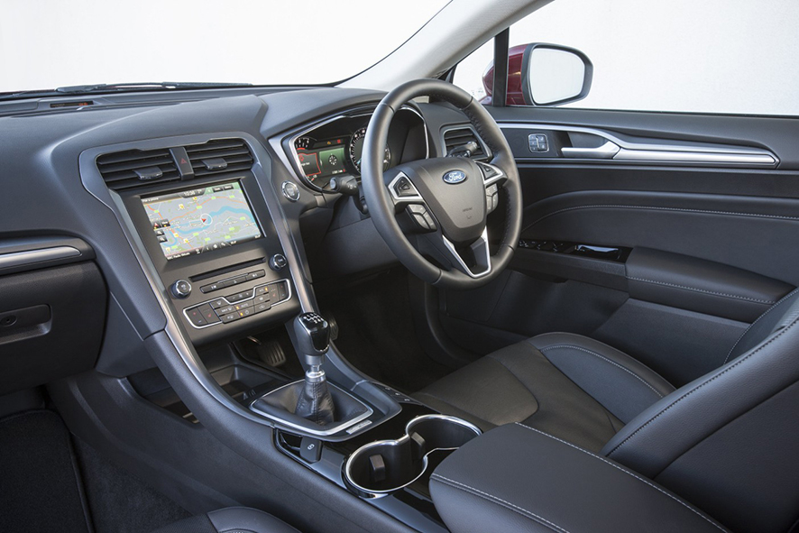 superb-design-of-the-black-seats-ideas-with-black-dash-as-the-ford-mondeo-2015-interior