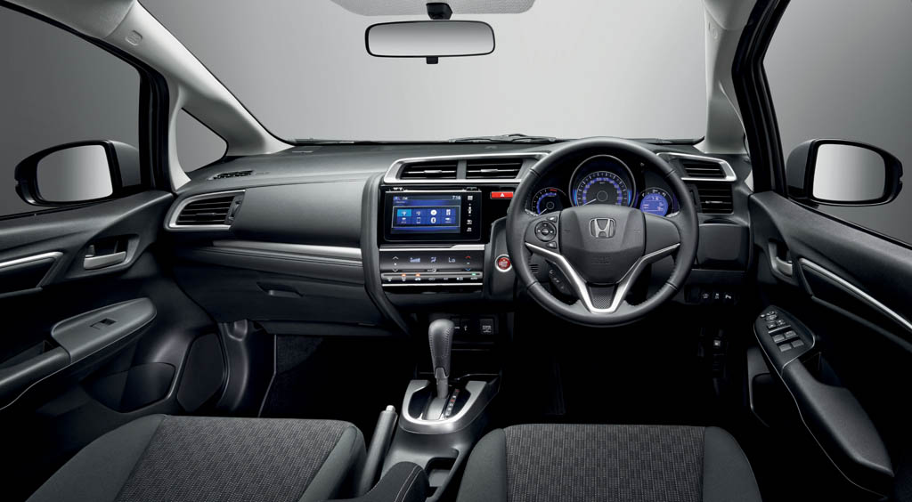superb-design-of-the-black-seats-ideas-with-black-dash-ideas-with-black-steering-ideas-as-the-honda-jazz-2015-interior