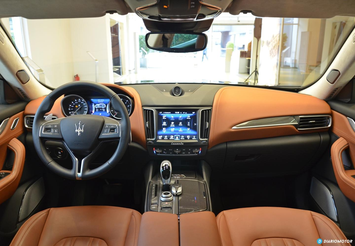 superb-design-of-the-brown-leather-seats-ideas-with-brown-dash-and-black-dash-ideas-of-the-maserati-levante-2016-interior