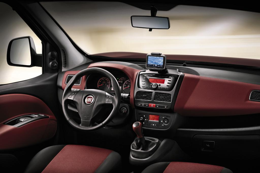 superb-design-of-the-red-brown-dash-ideas-with-red-brown-and-black-seats-as-the-fiat-doblo-2015-interior