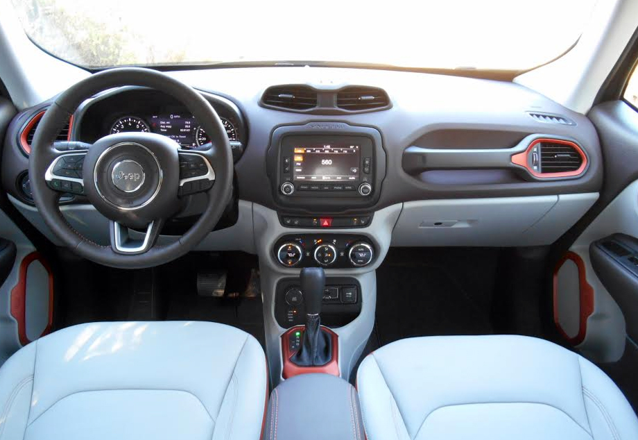 sophisticated maserati levante 2016 interior a classy look my car interior my car interior. Black Bedroom Furniture Sets. Home Design Ideas
